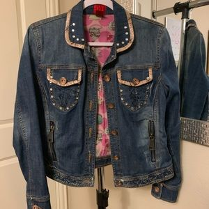Beautiful and unique jean jacket!